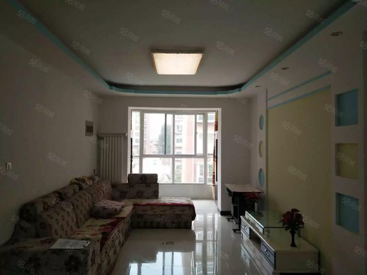 梗壁新村现代简约装修出租,房子内部干净整洁