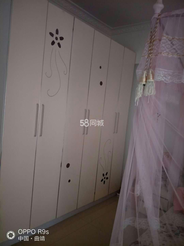 龙锦花园小区3室2厅2卫