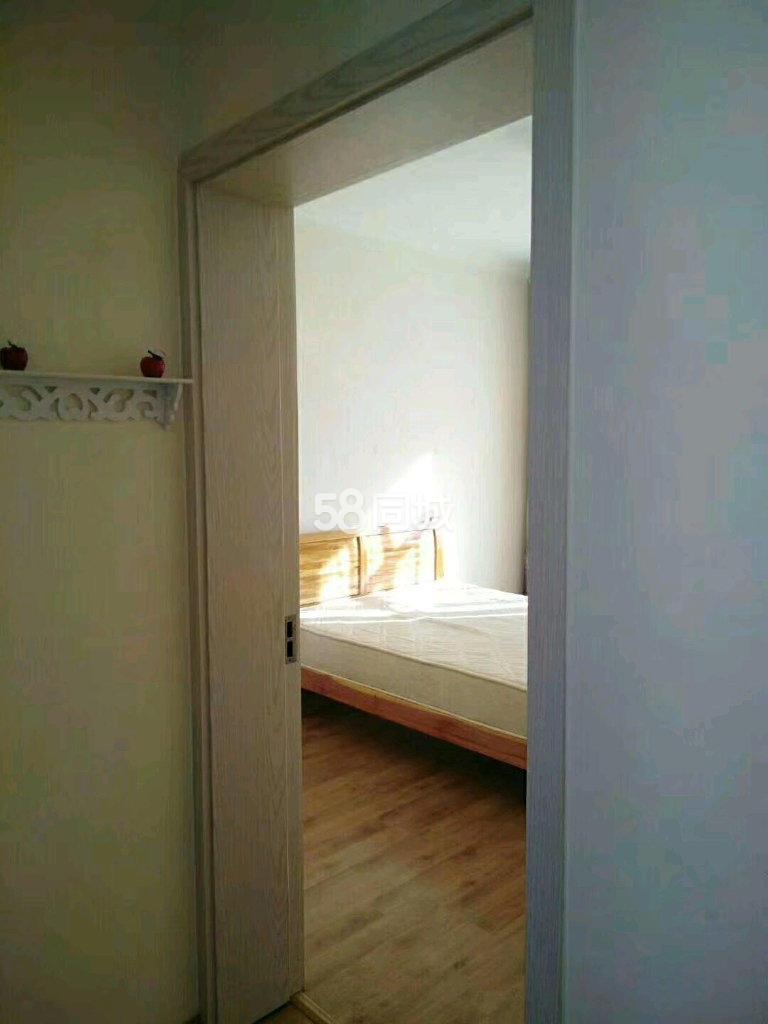清和苑3室2厅1卫