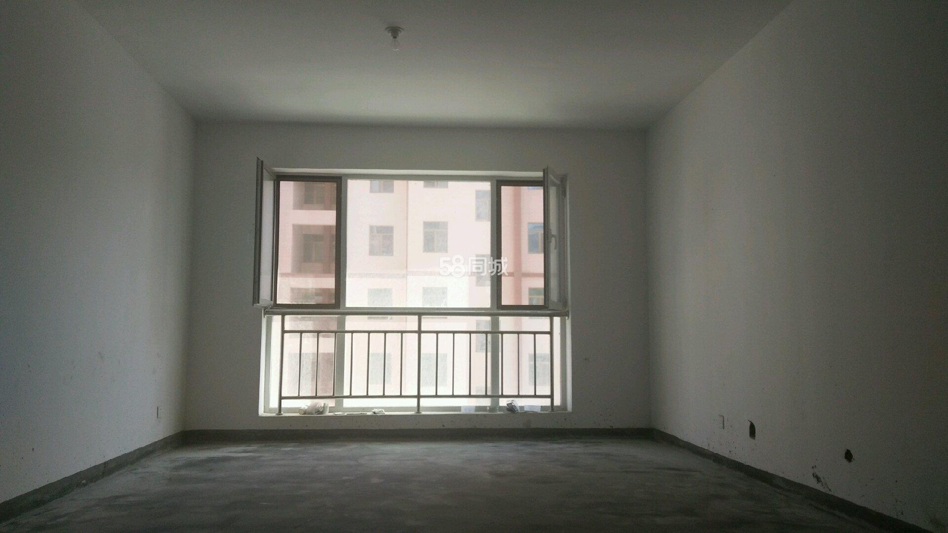 阳光水岸3室2厅2卫