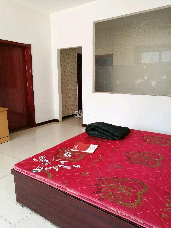 大卢野1室1厅1卫