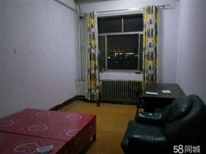 供水小区单身公寓1室0厅0卫