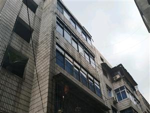 湘东新街4房2厅1卫仅13万