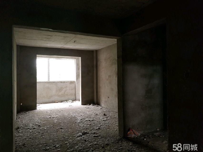 大江购物广场3室2厅1卫毛坯房