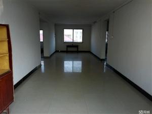 澳门金沙县凤凰城西200米阳光三房3室2厅1卫