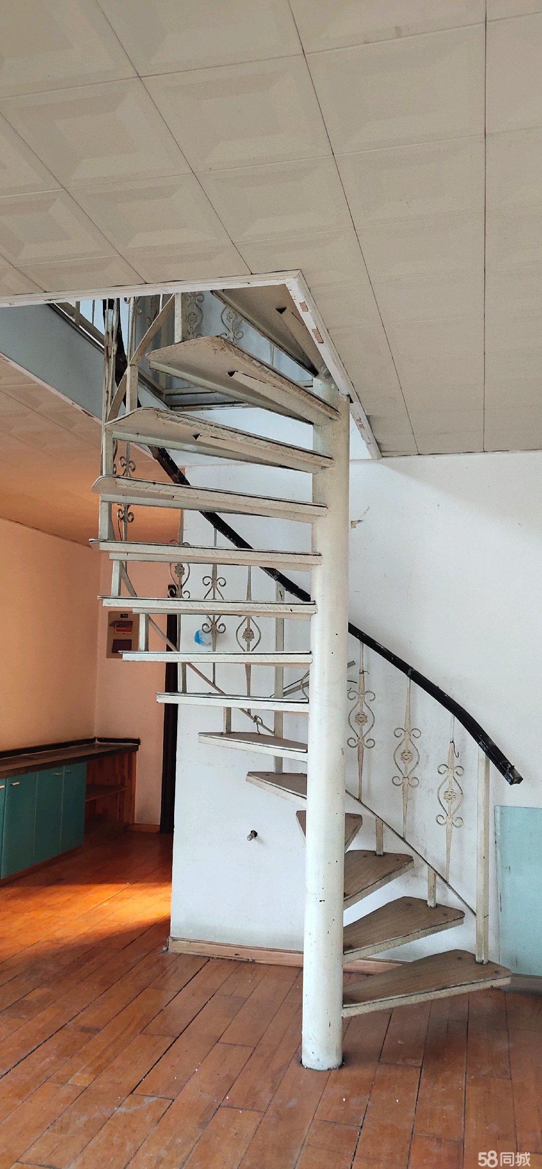 銀隆家大復式實用面積126平方電梯房