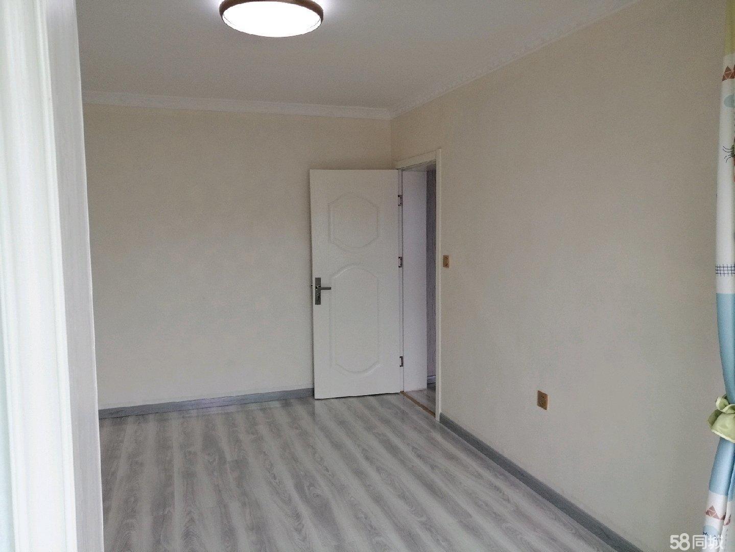 西大街西苑小区两室一厅一厨一卫70平