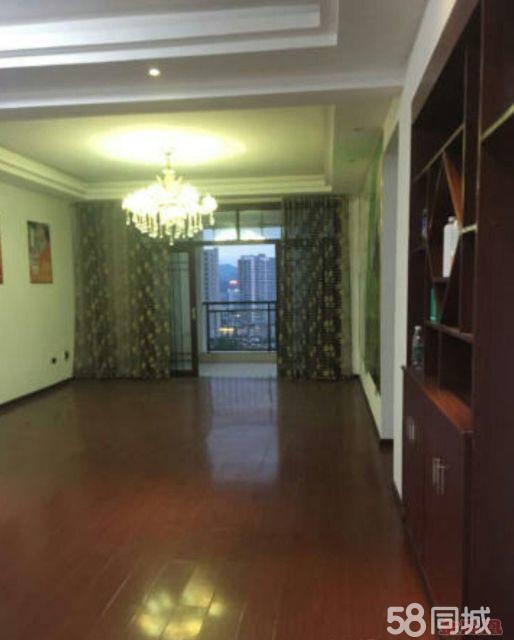 【金凤凰张英】时代商汇4室2厅,中装修,适合办公和住家