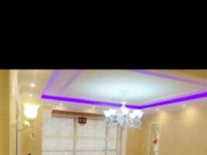 亿隆国际2室2豪华装修家具家电齐全