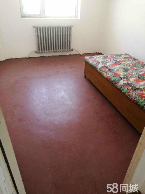 经济开发区丽景湾4室1厅104平米简单装修年付