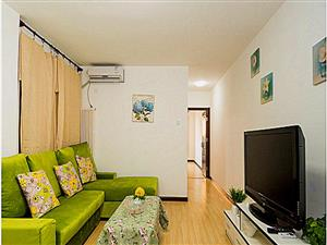 澳门太阳城赌场东关小区1室1厅56平米简单装修押一付一