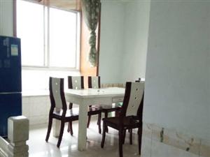 龙马潭周边六合苑3室2厅130平米中等装修押二付三