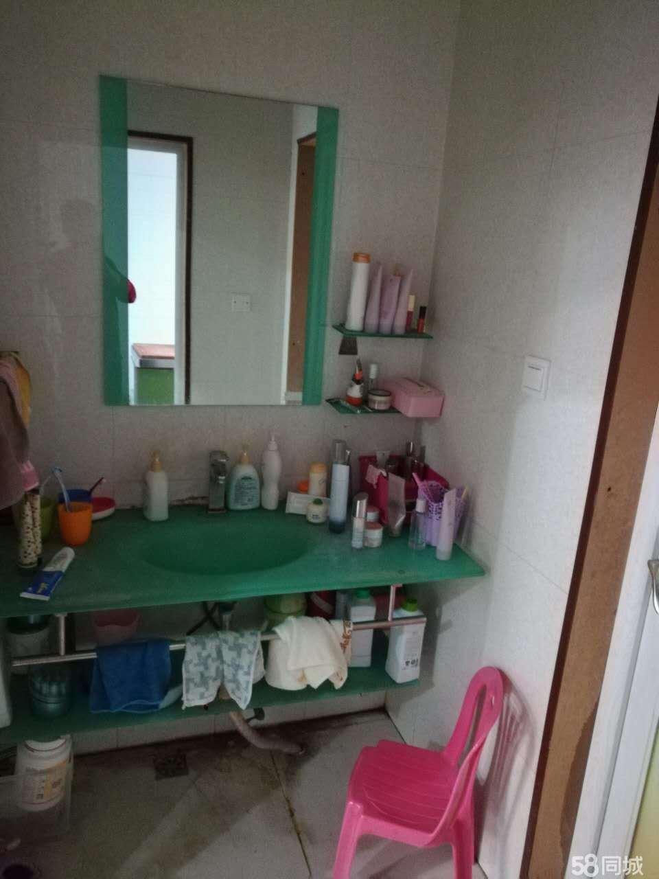 商城街道上海花园4室2厅3卫210�O
