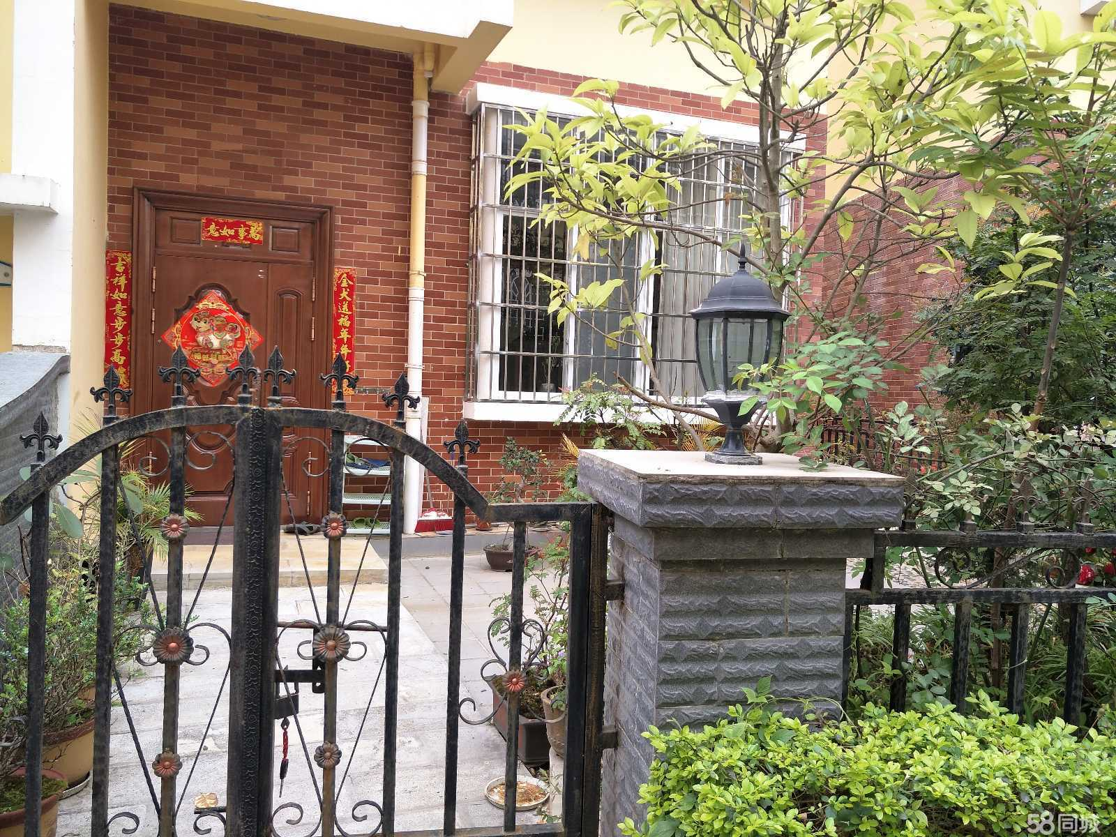 文山山水文苑三层复式楼(1跃2跃3)急售(带车库有花园)5室2厅3卫256.27平米