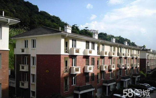 五四北居住主题连排别墅167平米实际使用300平,价格面议