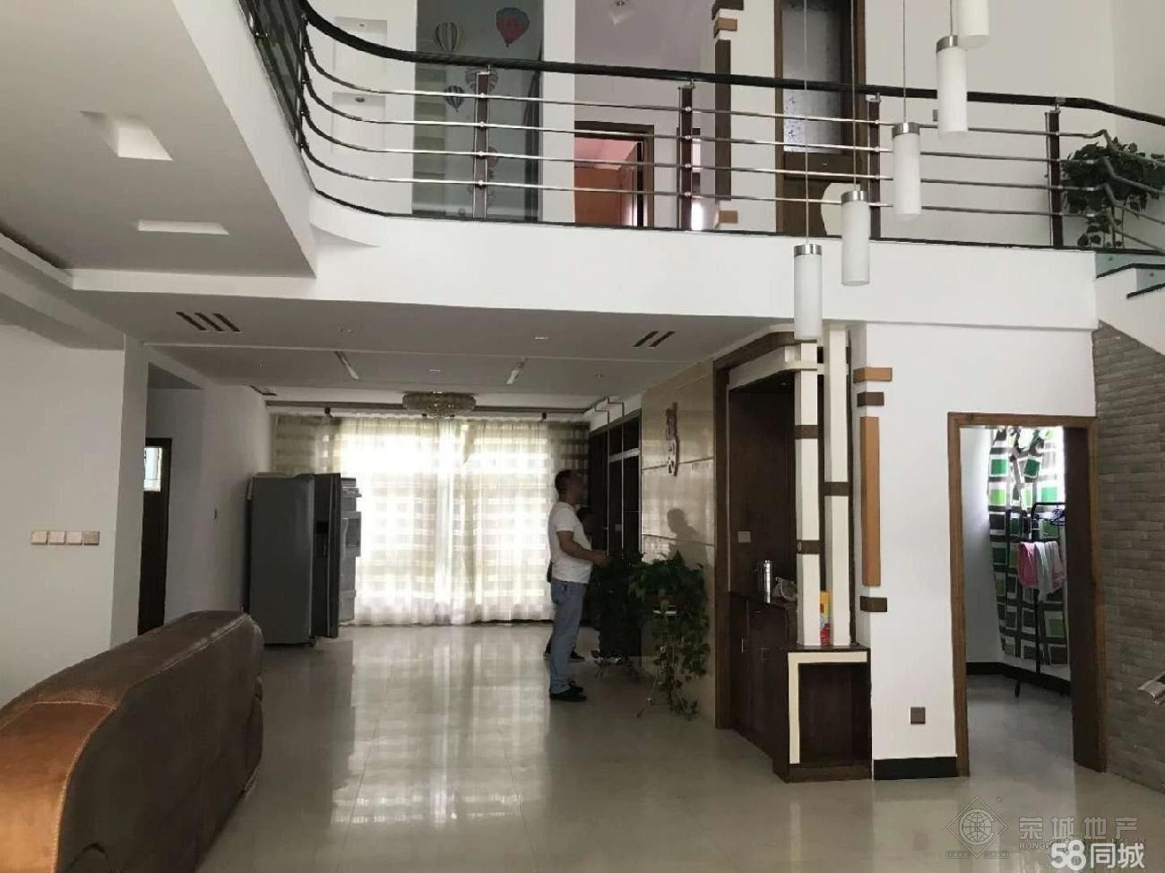 玉溪一小区精装修带家具拎包入住4200一个月复式楼