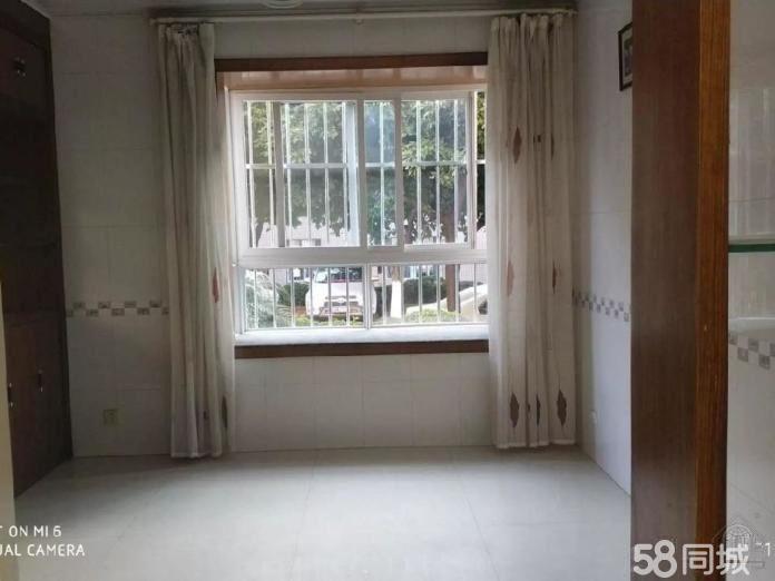 大营街低楼层精装四室带部分家具澳门金沙平台