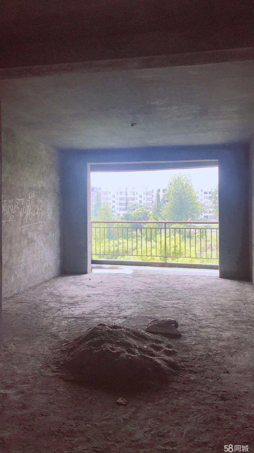 湘� 香榭帝景2期6�敲�坯3室2�d2�l132平米�本�u