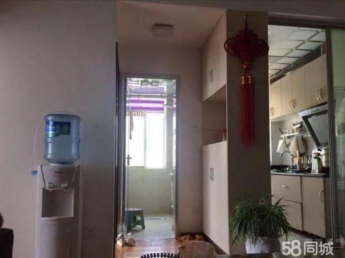 龙盛景苑1500元1室1厅1卫普通装修!正规高性价比,