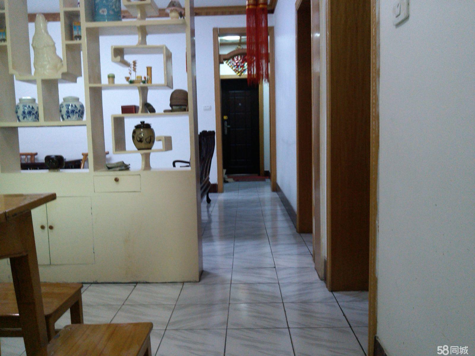 竹山县城中心位置好房有售