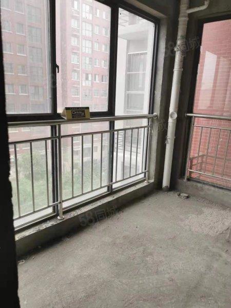 兰乔圣菲 3室2厅一卫 满二唯一  可按揭,
