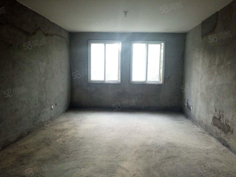 新出房源 好地段歐洲城 三室116平邊戶 業主急售可首付過戶