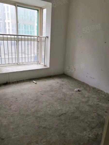 三发南区好楼层,经典元宝户型,带车库,证满两年,过户费低