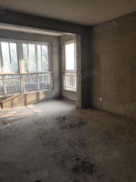 歐洲城三室兩廳邊戶,交房即可裝修,上洙泗,有證能貸款過戶