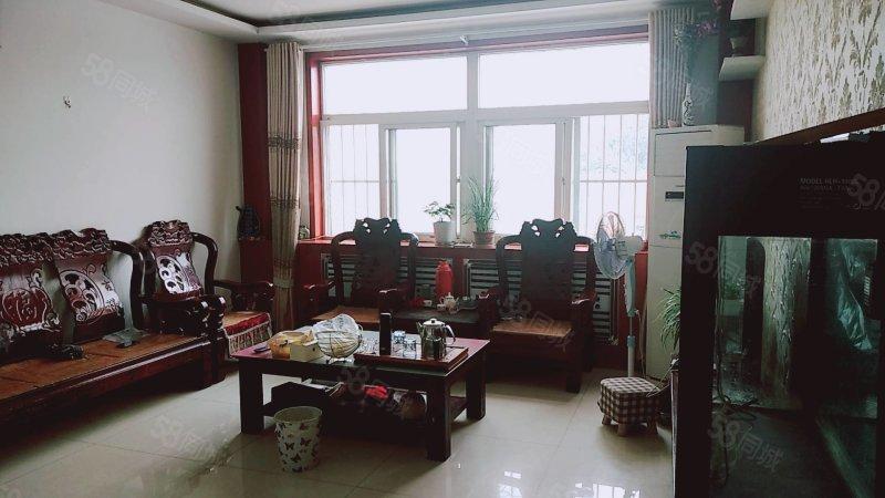 龍泉西擴區136.5平,三室兩廳一衛,儲藏室20平,81萬