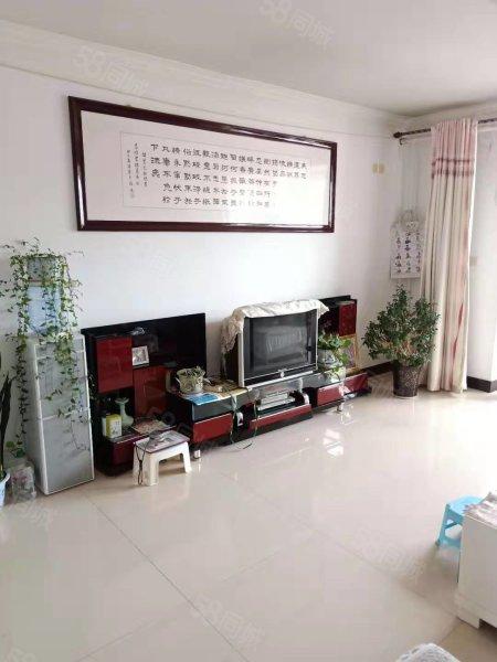 崇文路 渭州学校对 花园小区 四室两厅两卫 54万 购物便利