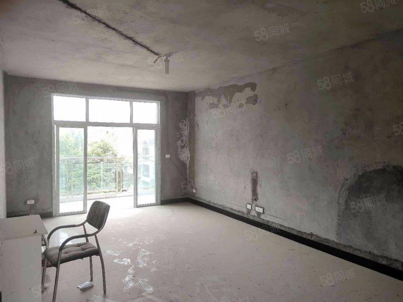 麒龙新城半装毛坯的可按揭,五小学区房停车方便