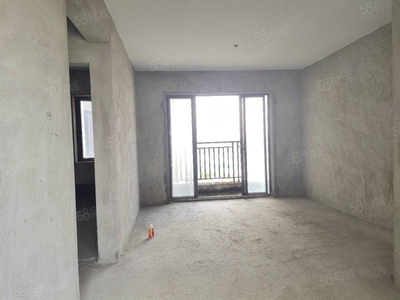 富盈WO城  毛坯三室  中高樓層 南北對流  急售130萬