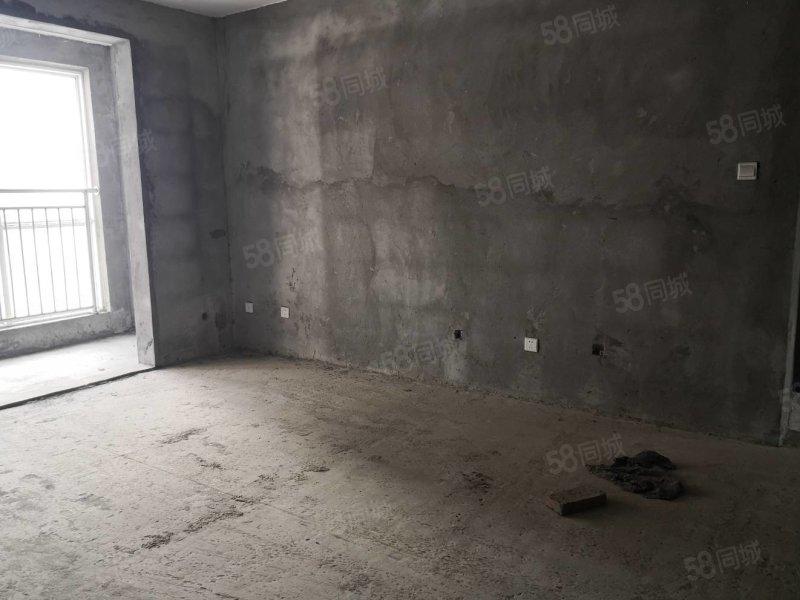 高速路口 槐园 御鑫园 三室两厅 电梯房