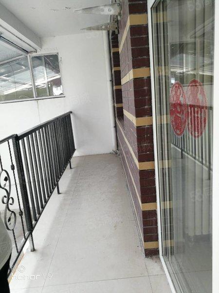 12樓復試帶院子  門口可種菜停車方便價格可談。