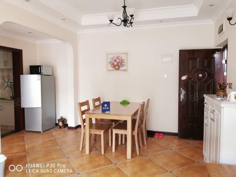 正规二楼精装修带家具家电,一室一厅改两室,采光充足,停车方便