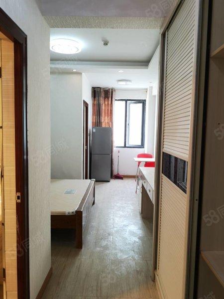 枣山火车站旁公寓精装修 拎包入住 家具家电齐全 居家出租方便