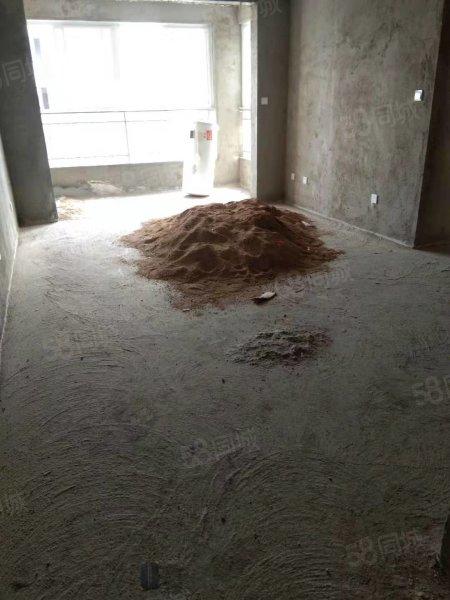 ?#20998;?#22478;电梯房复式,有地下车库,户型方正,能贷款,能过户