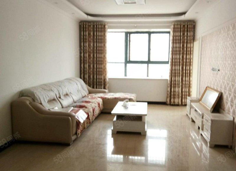 7074南海路南头三室一厅 带储藏室证全