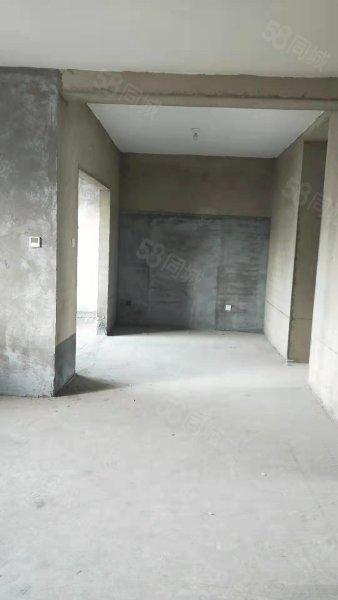 60万急售华海湾御景园,407平三室带车库储藏间,毛坯随意装