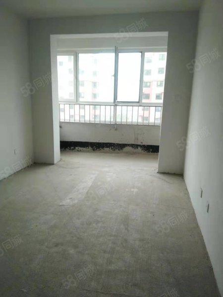 翰林公馆1楼 两室 一手房手续 可分期首付15万 15万