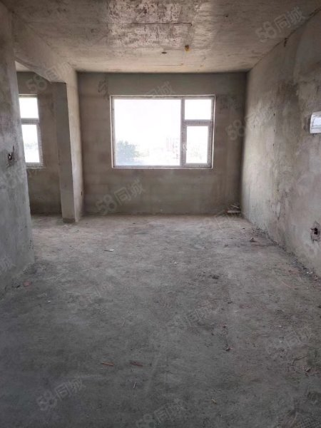 洮南錦繡華城多層3樓4樓5樓出售,直接更名,鑰匙在手隨時看房