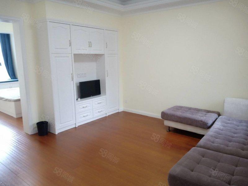 富都花苑三楼,精装修两室两厅,带车棚 位置佳   097