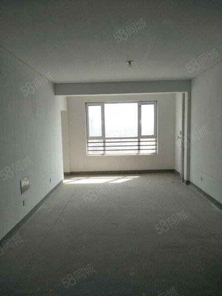 孝敬父母好礼物,金岸C区75平米13楼,总高17楼。