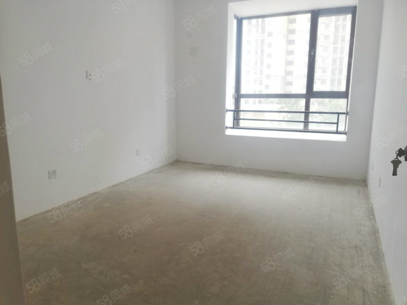 曼哈顿经典三室低楼层性价比高东门十五中学校
