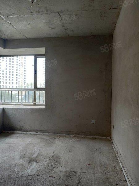 出售开元华府高档小区电梯房105平两室52万绿化率高