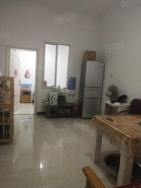 大洲路1楼一室一厅四通精装修家具家电30平方实际50平方22