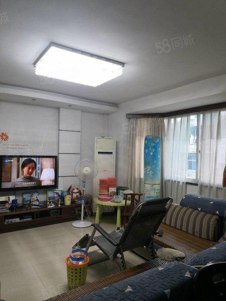 春晖家园3室2厅2卫1厨带车库精装修