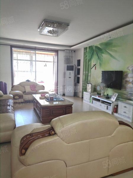 華城路附近潤澤小區 大三室 精裝全配  拎包入住 可按揭