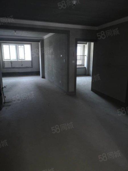 富园兰苑多层4楼108平方储藏室8毛坯不满两年82万可 谈