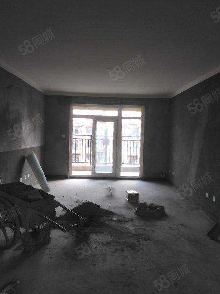 新濠天地平台建业森林半岛三室两厅两卫 136平 电梯房